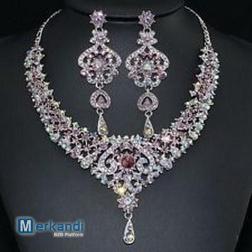 Crystal /& Diamonte Necklace SetPefrect for Wedding or Party Wear UK Seller