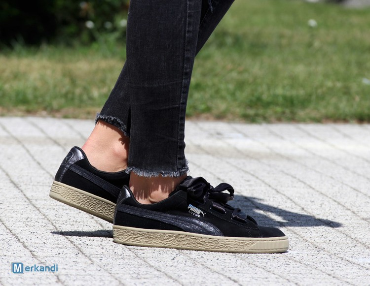 low priced e8376 47174 I recommend the offer: Clearance - PUMA SUEDE HEART SAFARI (364083-03) - 35  eur [265472] | Stock lot shoes | merkandi.com